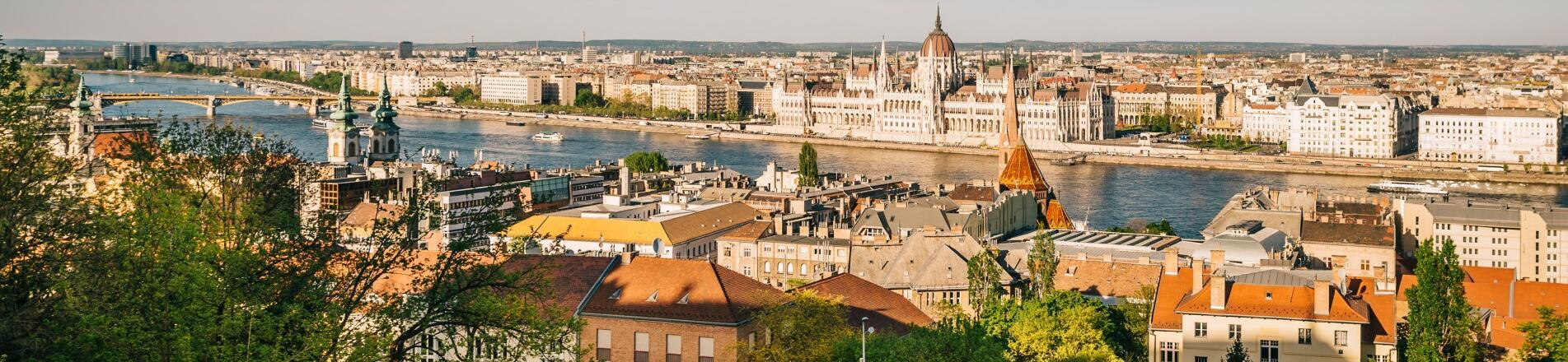 How to get to our hotels in the Buda Castle